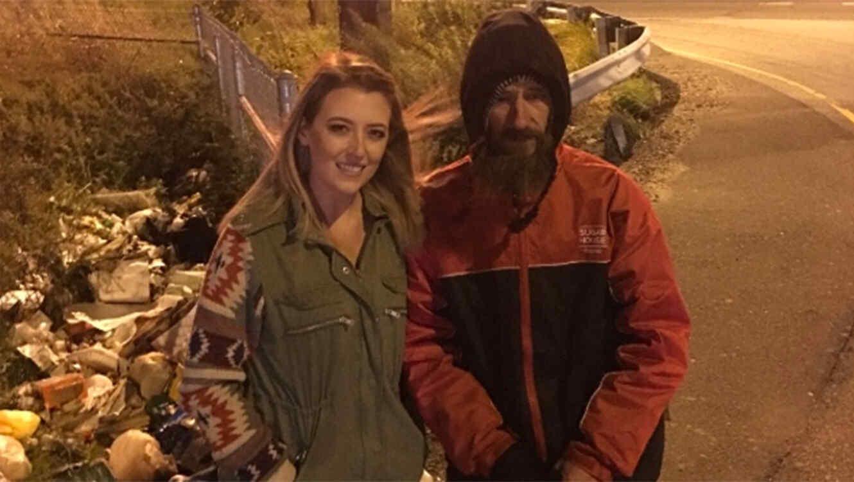 Juntó una fortuna para ayudar a un adicto que vive en la calle y ahora se niega a darle el dinero