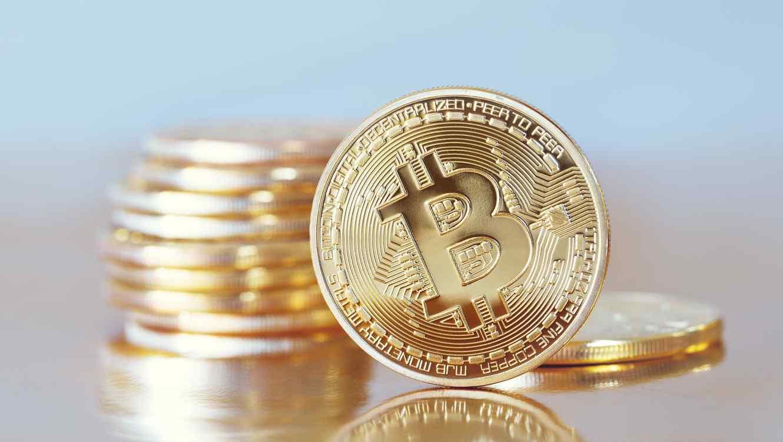 Pila de monedas Bitcoin