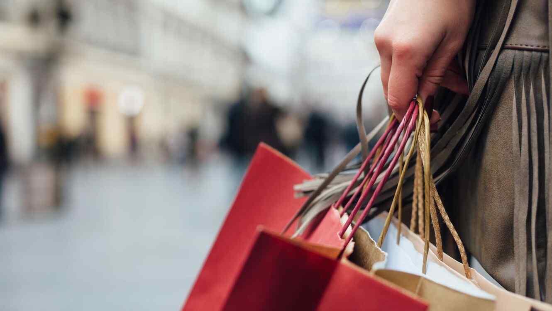 Mujer haciendo compras