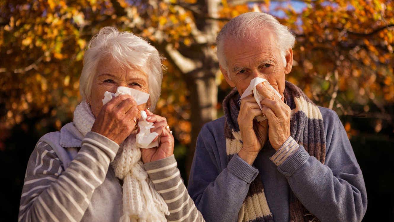Adultos mayores con gripe