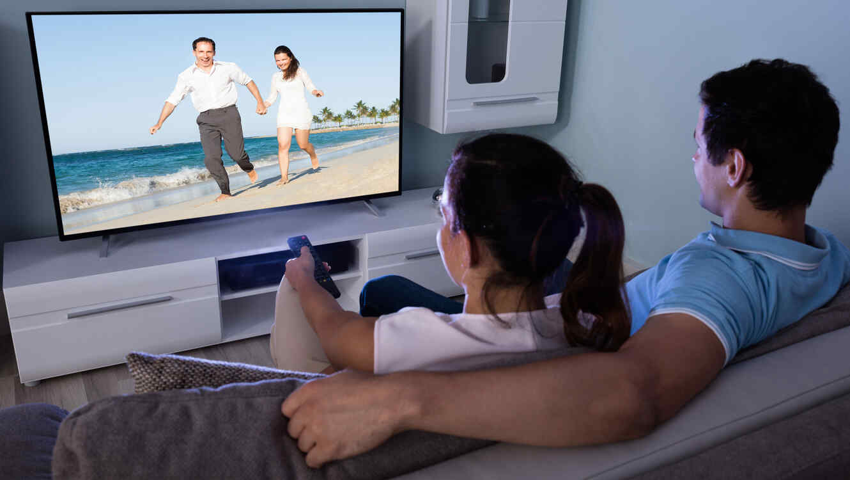 Resultado de imagen para viendo television