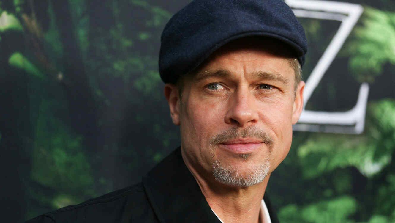 Brad Pitt propone