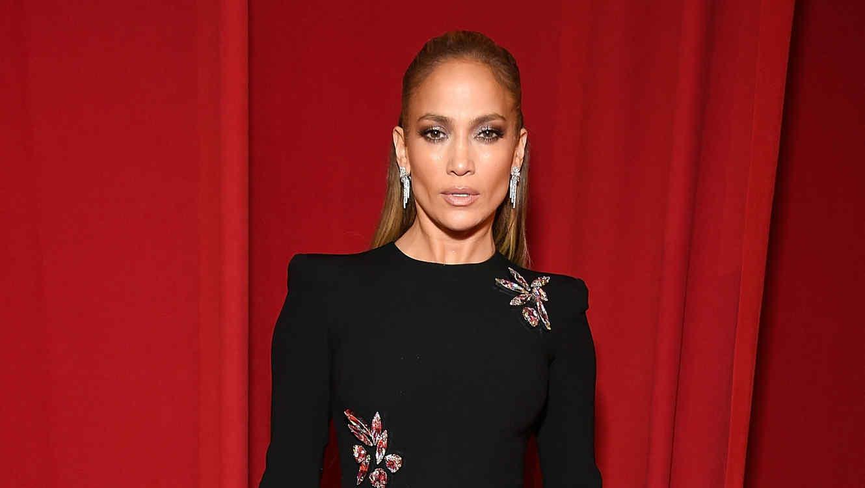 Primero fue 'El Anillo', pero ahora Jennifer Lopez quiere 'Dinero'
