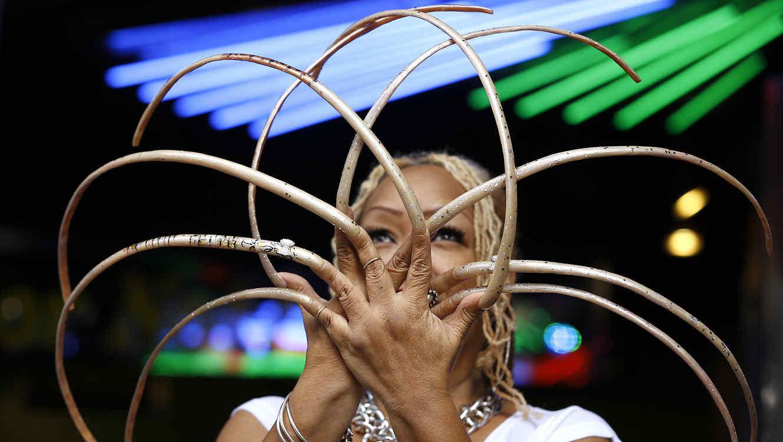 Ayanna Williams, la mujer con las uñas más largas del mundo