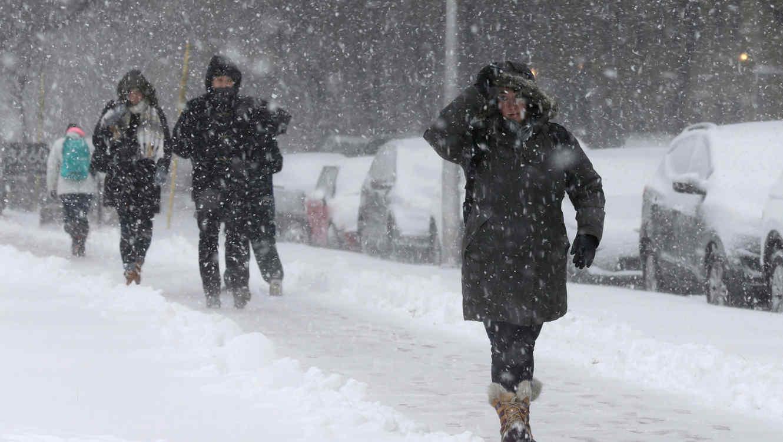 Nieve provocada por tormenta Bruce en el centro de EEUU