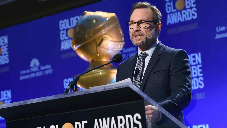 Christian Slater anuncia a los nominados de la gala 76 de los Globos de Oro