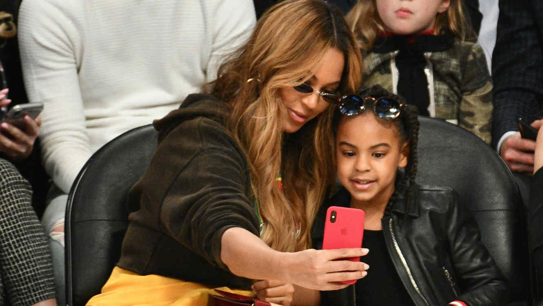 Beyoncé compartió imagen junto a su hija y su parecido es innegable
