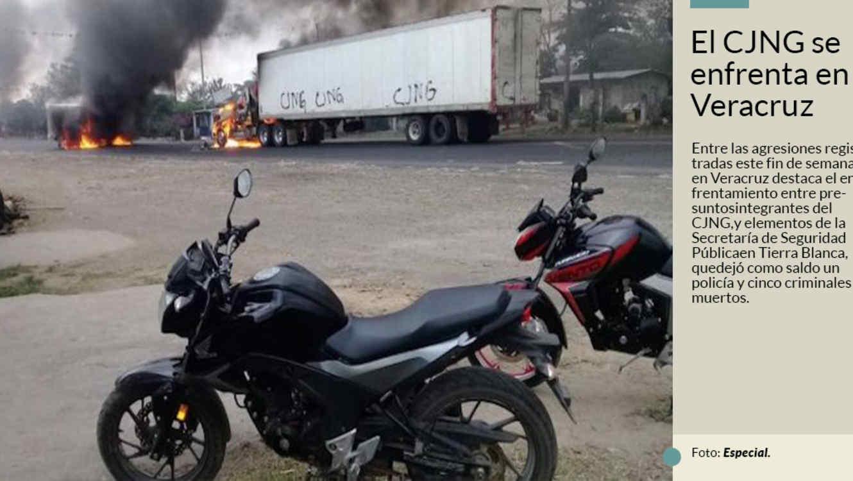 Imagen de los camiones incendiados en el estado mexicano de Veracruz con las siglas del Cártel Jalisco Nueva Generación