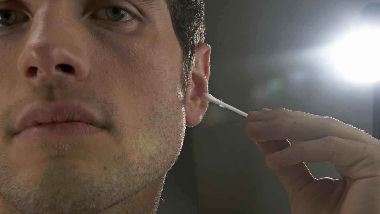 Hisopos en los oídos
