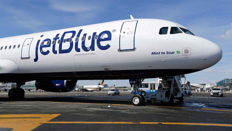 Un avión de JetBlue en una imagen de archivo.