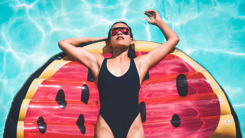 Mujer piscina