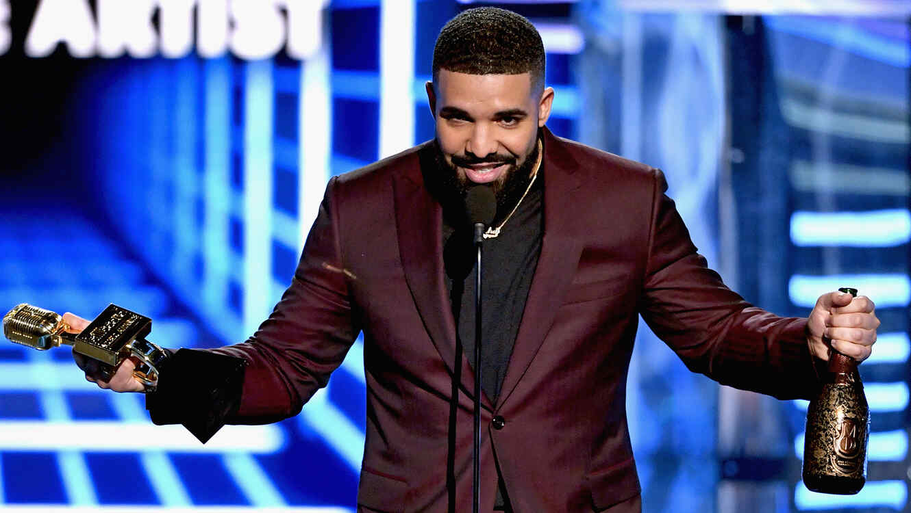 Top moments from the 2019 Billboard Music Awards: Drake encourages