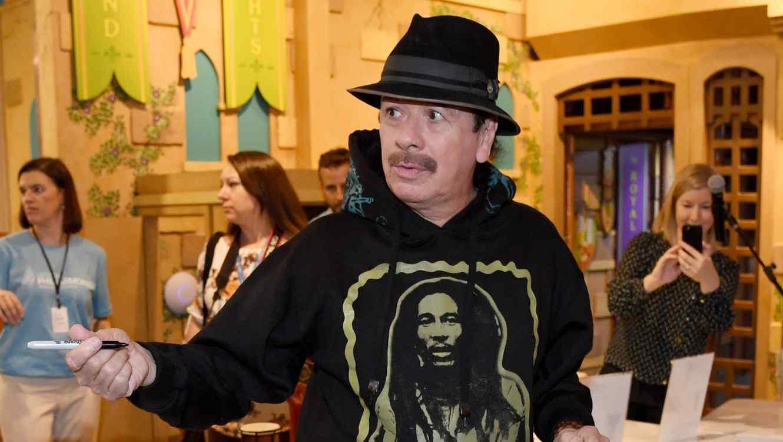 Carlos Santana announces world tour