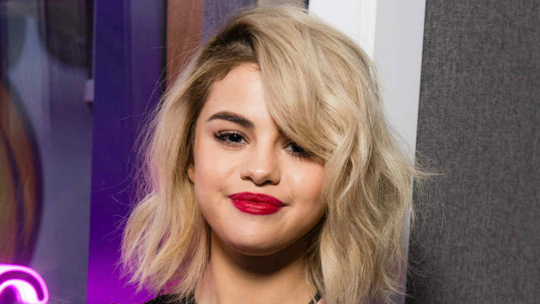 Selena Gomez rubia