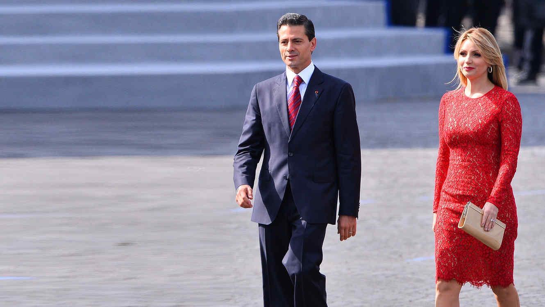 Enrique Peña Nieto y Angélica Rivera en su viaje a Francia