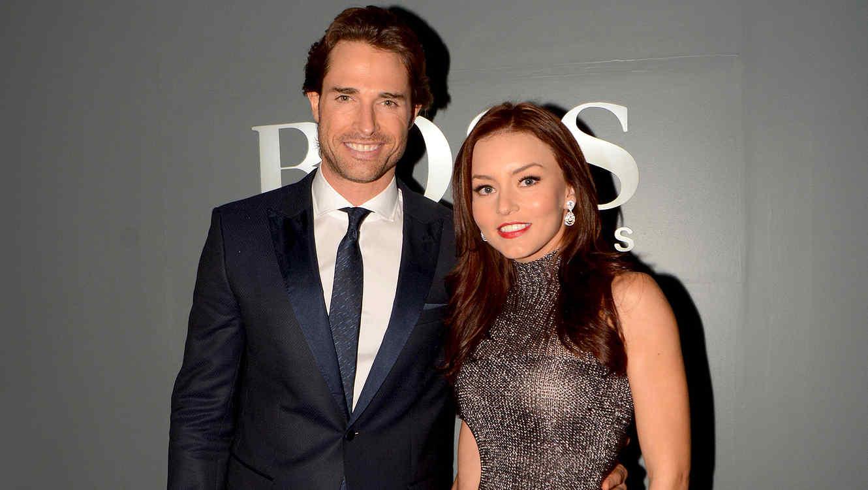 Sebastián Rulli y Angelique Boyer e la alfombra roja de Hugo Boss en México