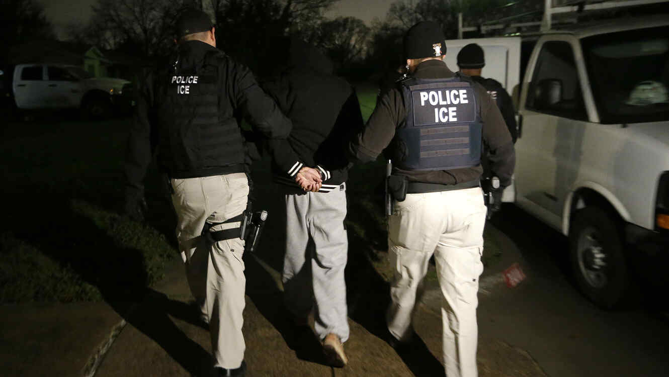 Inmigrante indocumentado arrestado por agentes de ICE