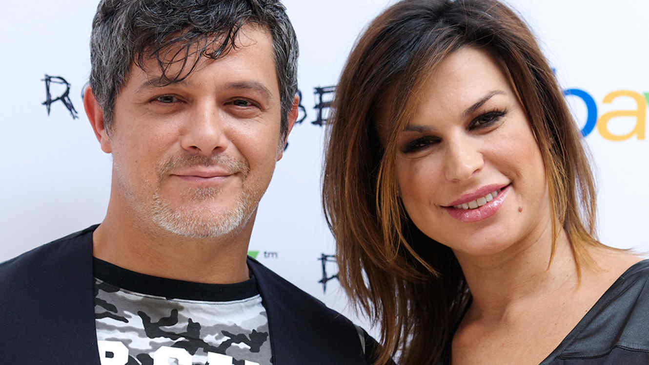 Pop singer Alejandro Sanz marries Raquel Perera  CNN