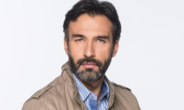 Eduardo Victoria como Nestor Fernández en Tierra de Reyes