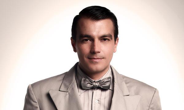 """Luciano D'Alessandro como Alberto Blanco en """"Celia"""""""