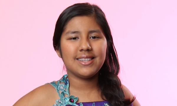 Dulce Perez del Team Pedro en La Voz Kids