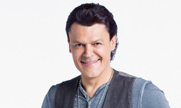 Pedro Fernández como coach de la cuarta temporada de La Voz Kids