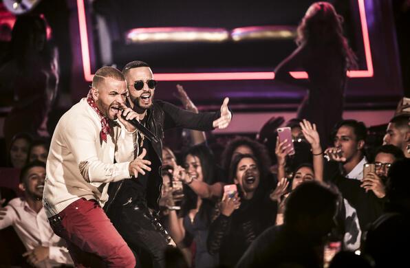 Nacho y Yandel en Premios Tu Mundo 2017