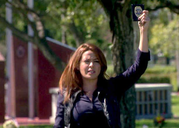 Dayana Garroz detiene la exhumación del cadaver de Sebastian en Eva la Trailera