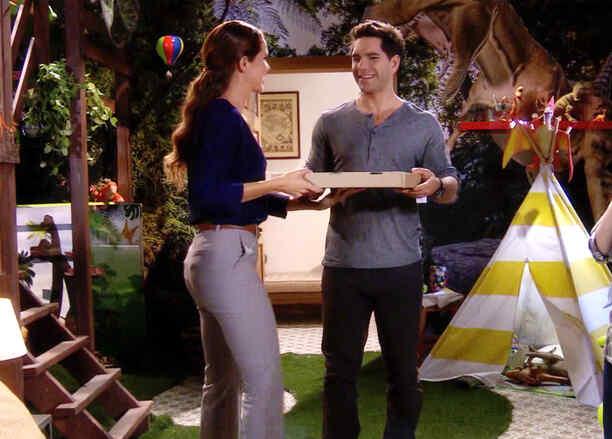 Arap Bethke con Maritza Bustamante en casa de los Contreras en Eva la Trailera