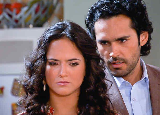 Ana Lorena Sánchez y Fabián Ríos discutendo en Tierra de Reyes
