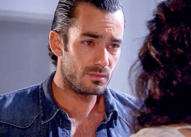 Aarón Díaz llorando en Tierra de Reyes