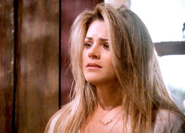 Isabella Castillo preocupada en Tierra de Reyes