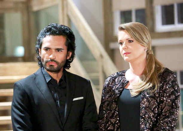 Fabián Ríos y Sonya Smith anunciando su matrimonio en Tierra de Reyes