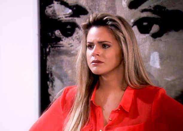 Isabella Castillo llorando en Tierra de Reyes