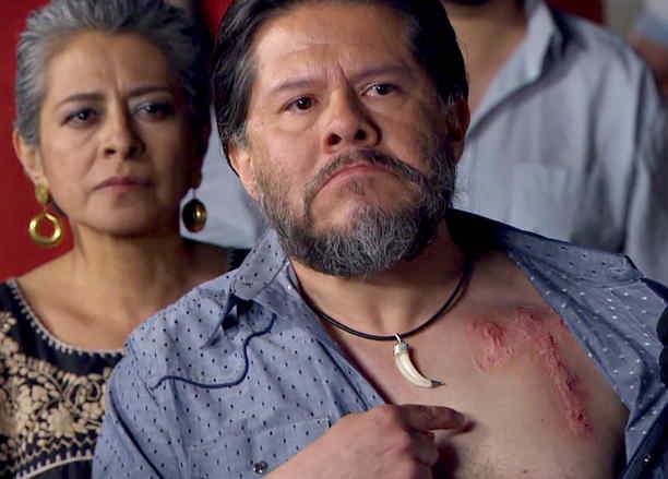 Jorge Zárate, Indio Amaro, mostrando una cicatriz, Señora Acero 2