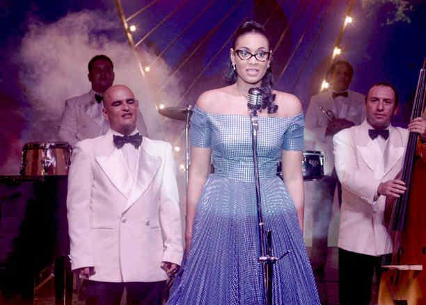 Jeimy Osorio cantando en tropicana en Celia