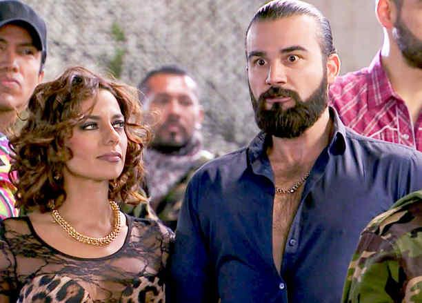 José Luis Reséndez, Teca Martínez, molesto, Señora Acero 2