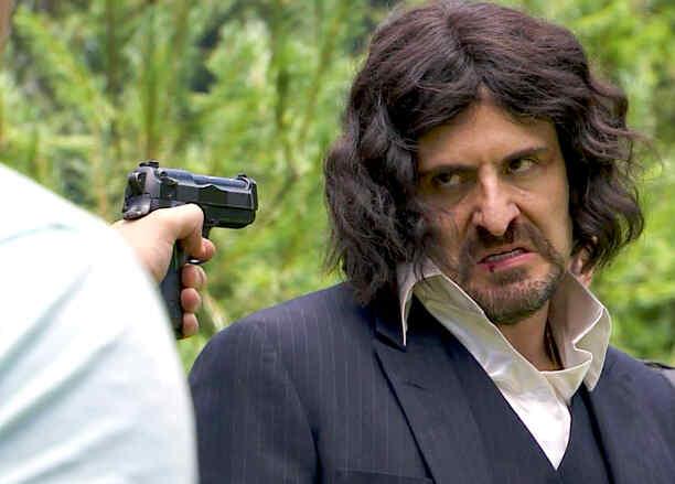 Alejandro Calva, Miguel Quintanilla, molesto, Señora Acero 2