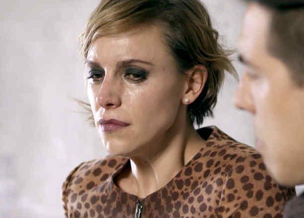 Alexandra de la Mora, Julia, llorando, La Querida del Centauro