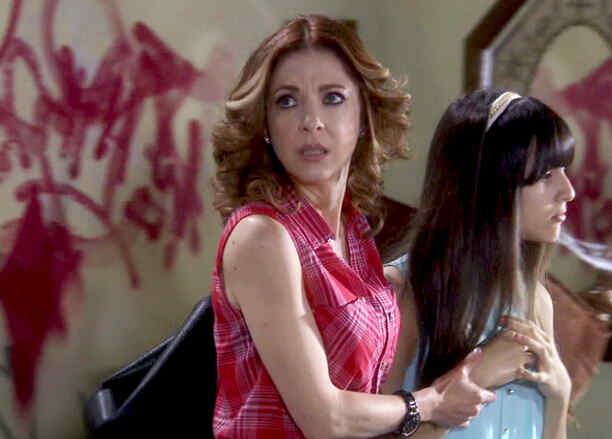 Edith González con su nueva familia se mudan de casa de los Mogollón en Eva La Trailera
