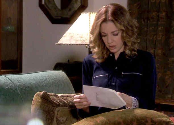 Edith González recibe invitación de boda en Eva la Trailera