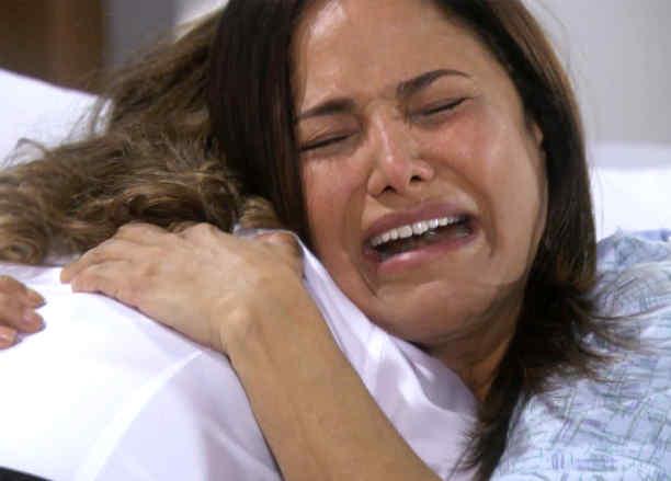 Edith González le dice a Vanessa Bauche que Pancho murió en el accidente enE va la Trailera
