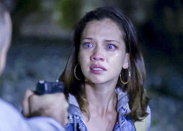 Carolina Miranda, Vicenta, asustada, Señora Acero 3, La Coyote