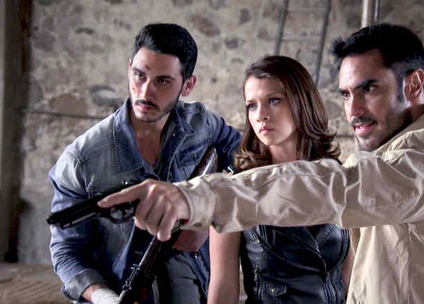 Lincoln Palomeque, Carolina Miranda, furiosos, Señora Acero 3 La Coyote