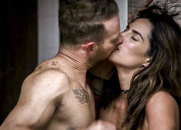 Gaby Espino, Luis Ernesto Franco, besándose, Señora Acero 3, La Coyote