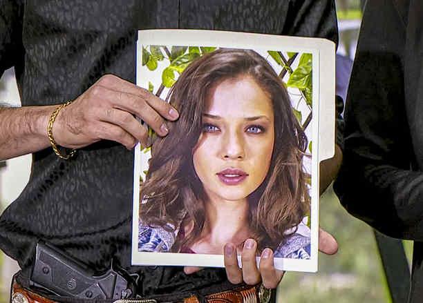 Carolina Miranda, Vicenta Acero, asustada, Señora Acero 3, La Coyote