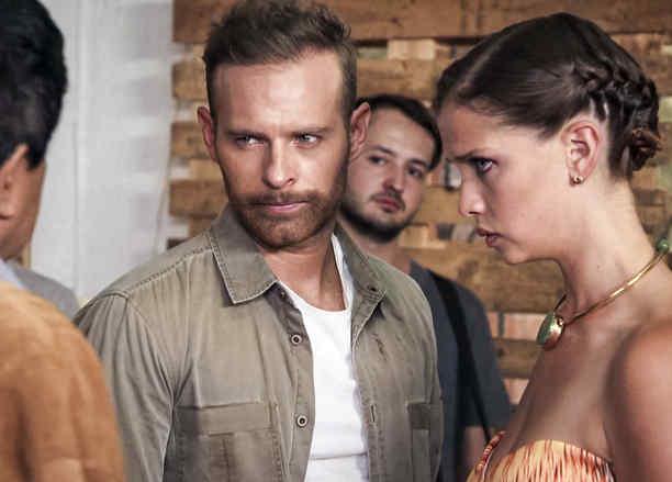 Luis Ernesto Franco, Carolina Miranda, molestos, Señora Acero 3 La Coyote
