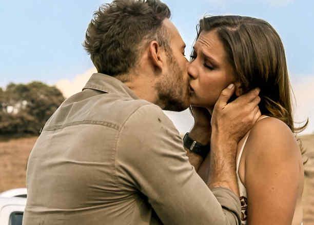 Carolina Miranda, Luis Ernesto Franco, beso, Señora Acero 3, La Coyote