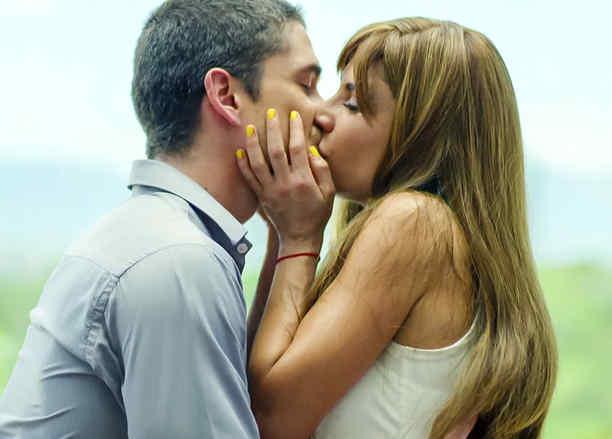 Carolina Gaitán y Juan Pablo Urrego en Sin Senos Sí Hay Paraíso