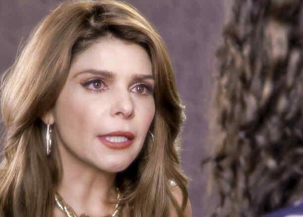 Itati Cantoral en El Chema